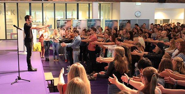 EL CID Dag 2 Hogeschool Leiden Opening met Victor Mids