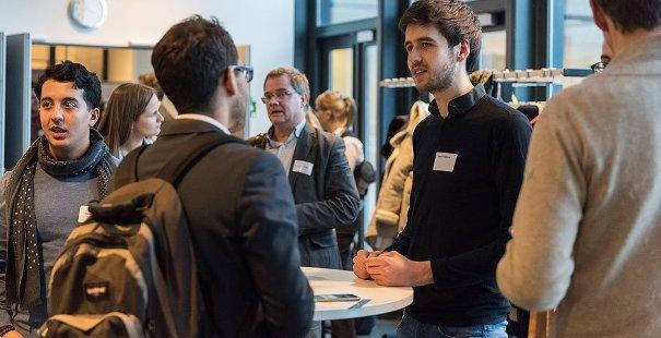 Deelnemers symposium Hoezo Diversiteit? wisselen ervaringen uit
